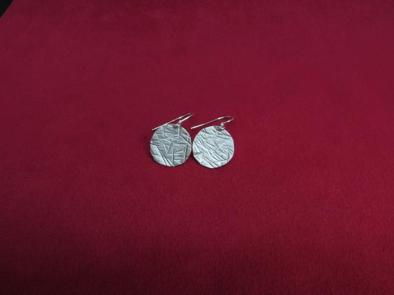 Matter Ohrhänger aus Sterlingsilber mit Rillen