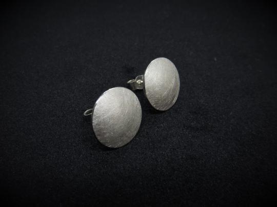 Schöne, runde Ohrstecker aus Silber