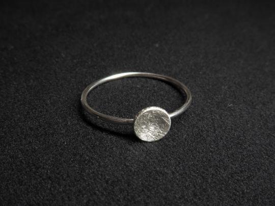 Silberring gebürstet